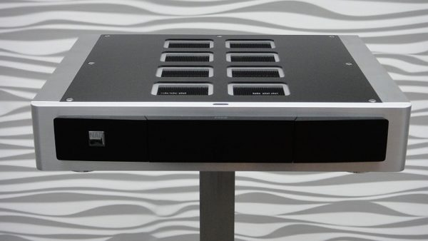 NAD M22 - Front