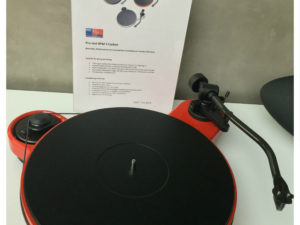 Pro-Ject RPM 3 Carbon in glänzend rot