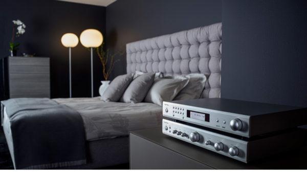 ROTEL T11 - FM/AM-Tuner (silber, Beispielabbildung mit ROTEL A10)