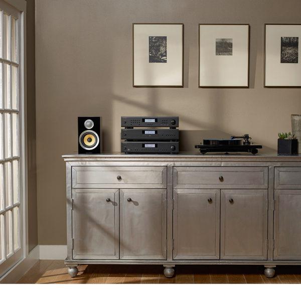 ROTEL T14 - FM/AM-Tuner / Streamer (silber, Beispielabbildung Lifestyle mit A14 und CD14)