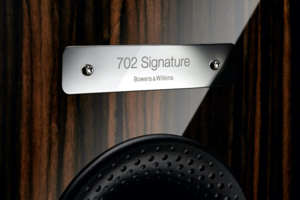 Bowers & Wilkins 702 Signature Datuk Gloss